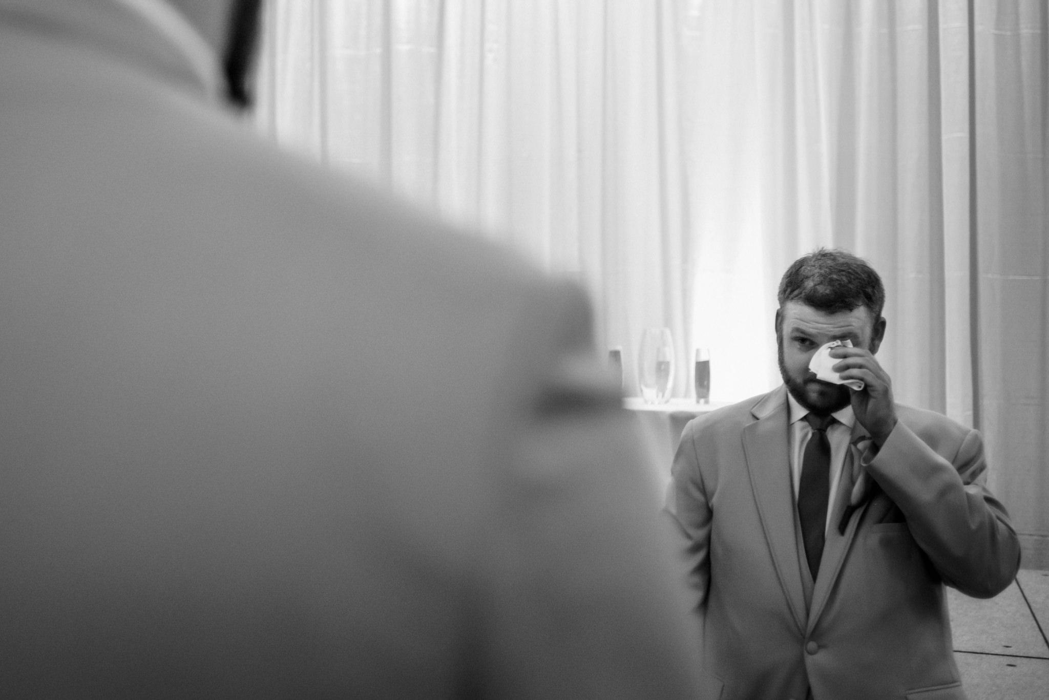 HILTON-OMAHA-WEDDING-PHOTOGRAPHER-JM-STUDIOS-OMAHA-LIV-BRICE-024.jpg