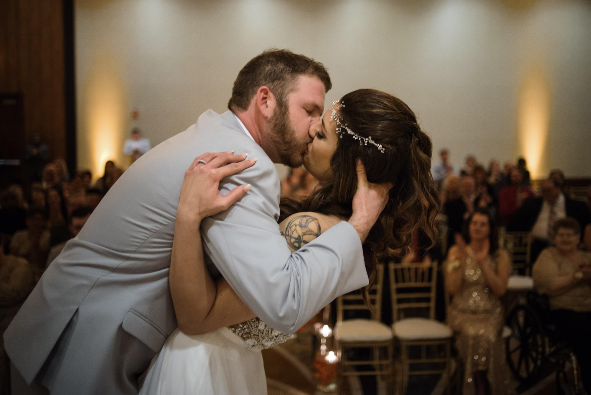 HILTON-OMAHA-WEDDING-PHOTOGRAPHER-JM-STUDIOS-OMAHA-LIV-BRICE-028.jpg