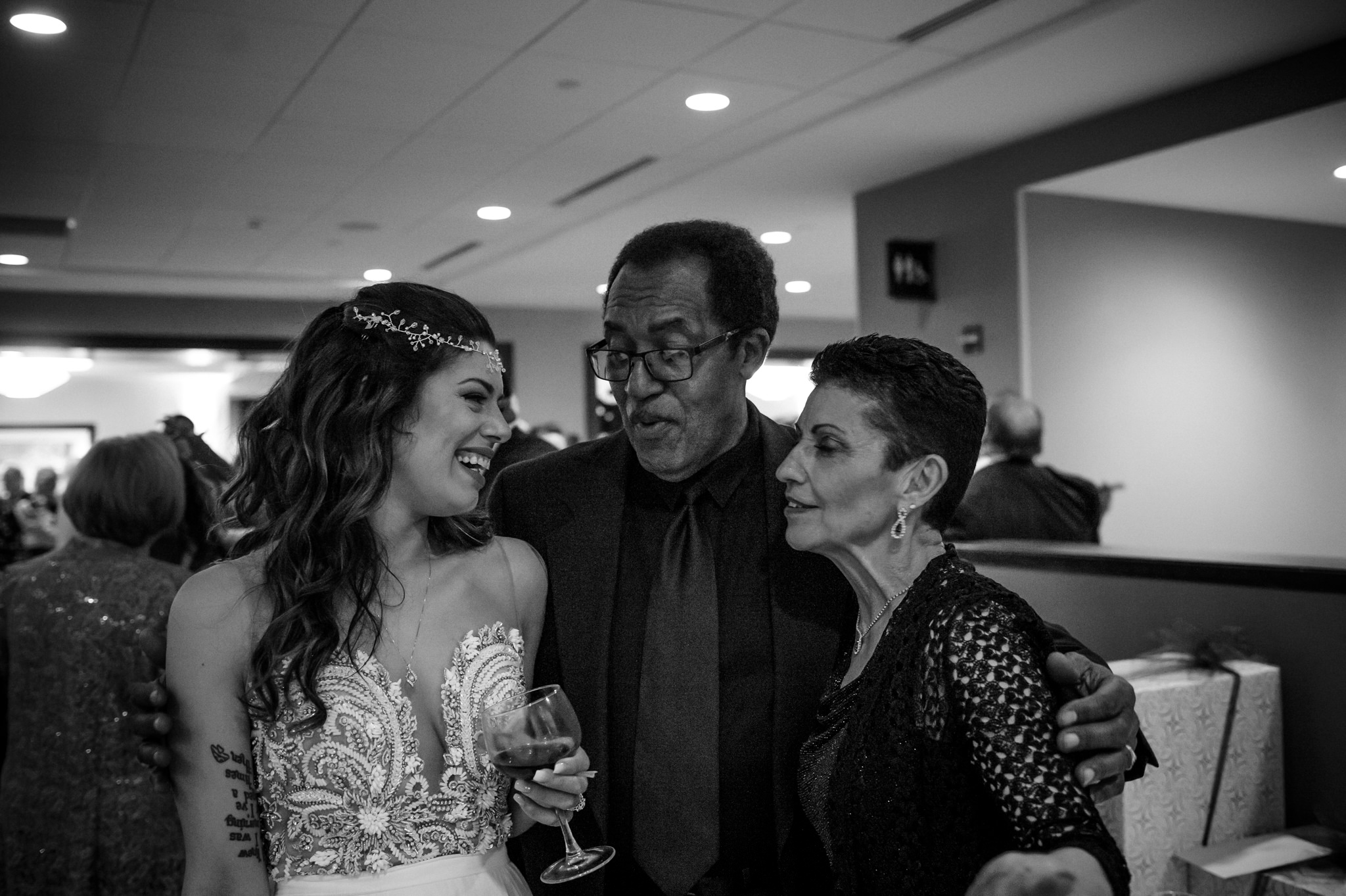 HILTON-OMAHA-WEDDING-PHOTOGRAPHER-JM-STUDIOS-OMAHA-LIV-BRICE-031.jpg