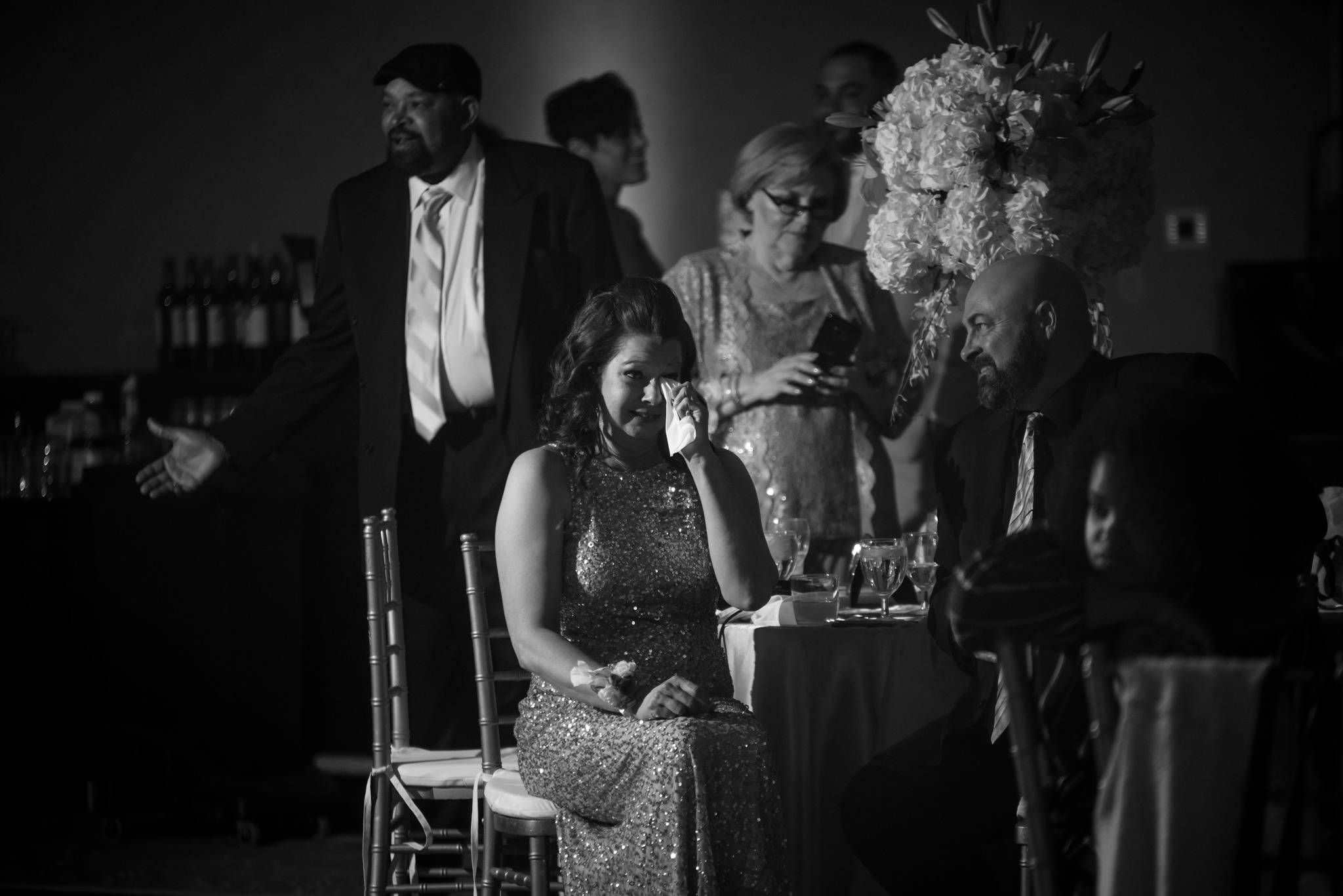 HILTON-OMAHA-WEDDING-PHOTOGRAPHER-JM-STUDIOS-OMAHA-LIV-BRICE-036.jpg