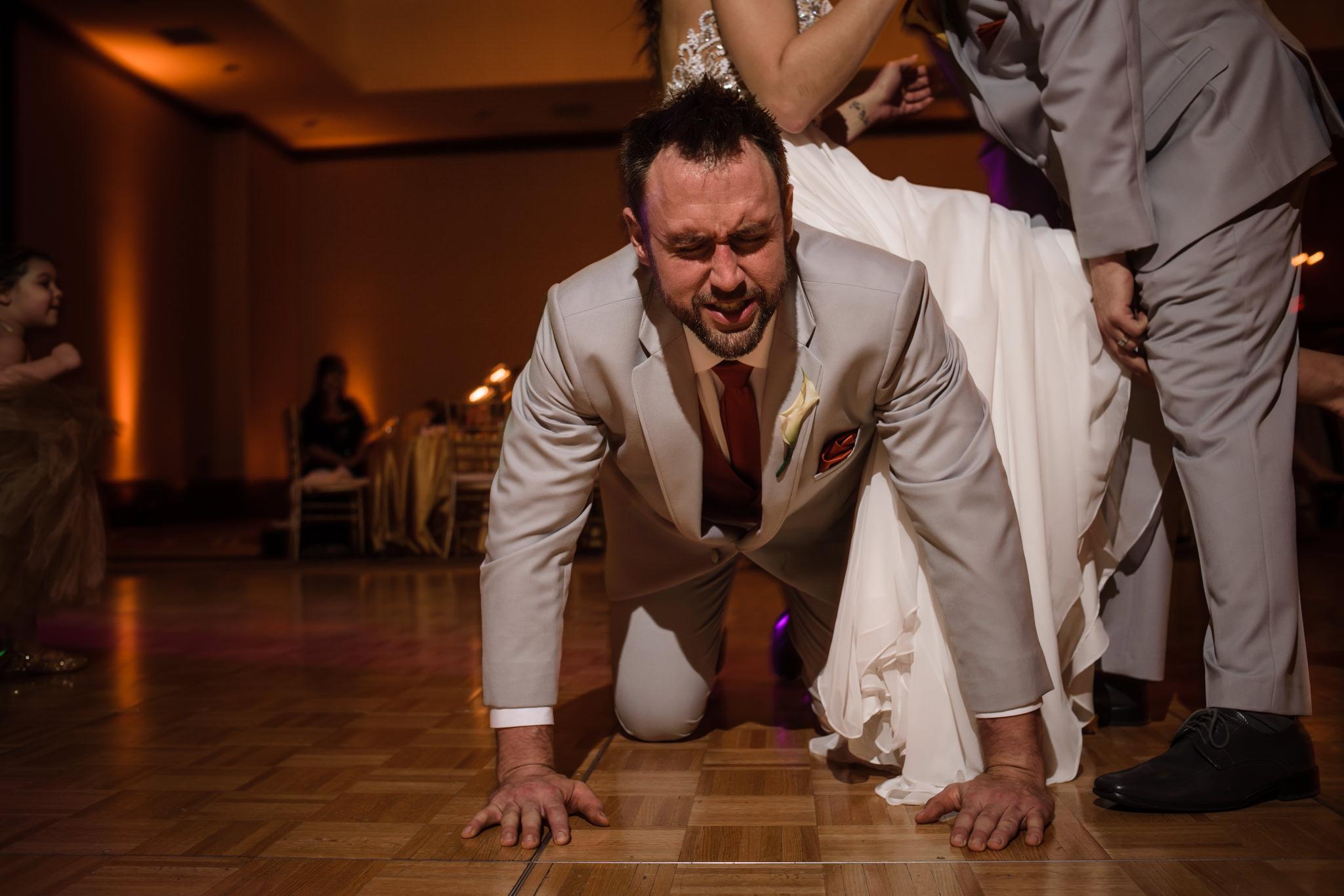 HILTON-OMAHA-WEDDING-PHOTOGRAPHER-JM-STUDIOS-OMAHA-LIV-BRICE-037.jpg