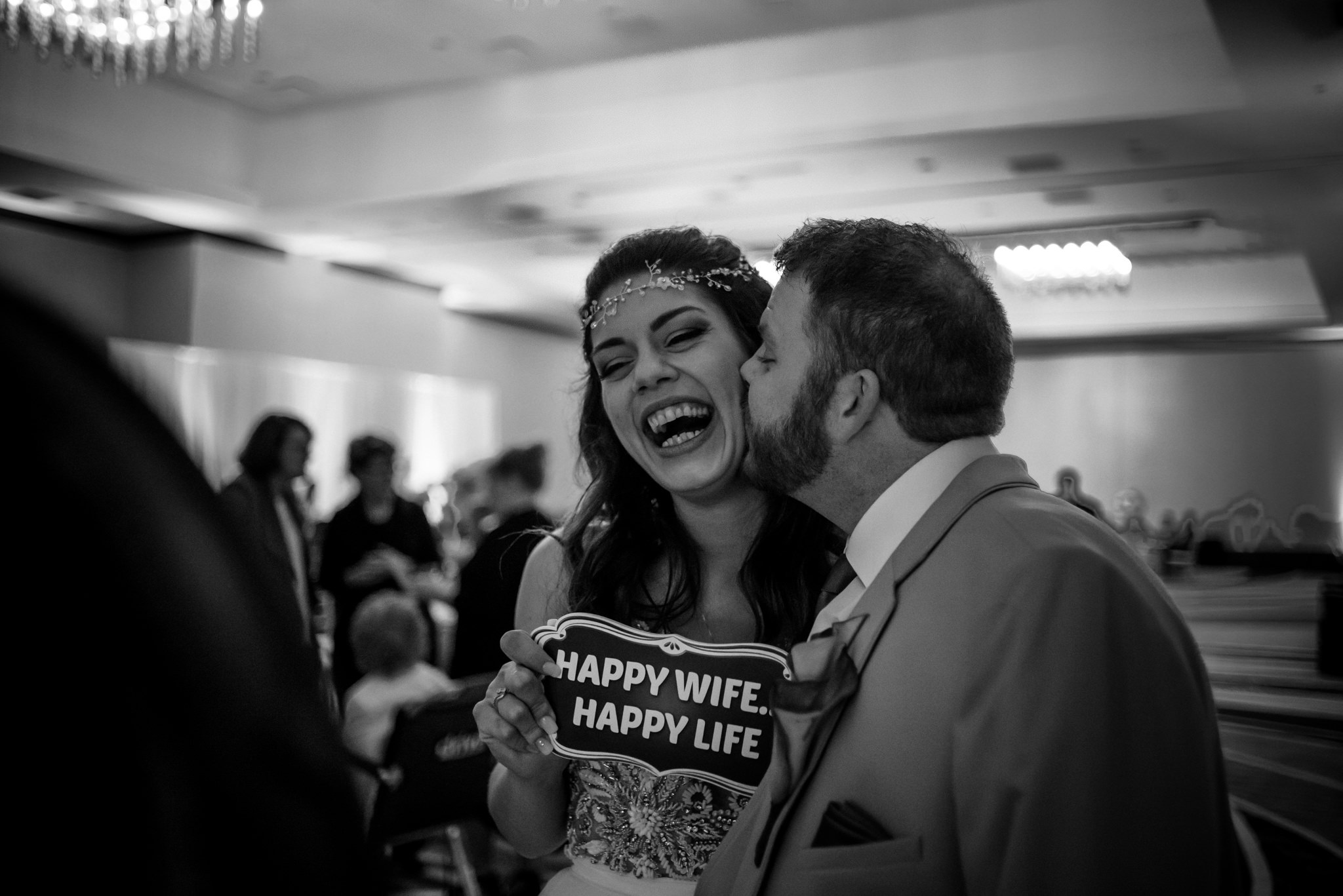 HILTON-OMAHA-WEDDING-PHOTOGRAPHER-JM-STUDIOS-OMAHA-LIV-BRICE-038.jpg