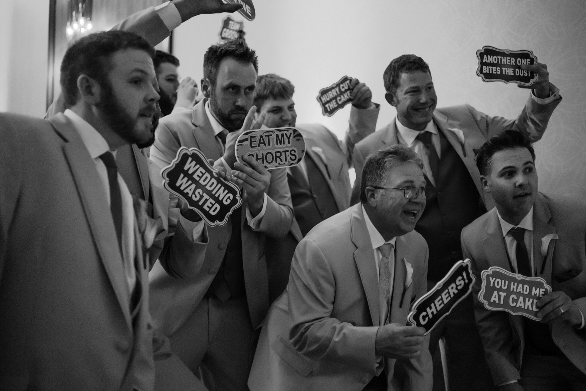 HILTON-OMAHA-WEDDING-PHOTOGRAPHER-JM-STUDIOS-OMAHA-LIV-BRICE-040.jpg
