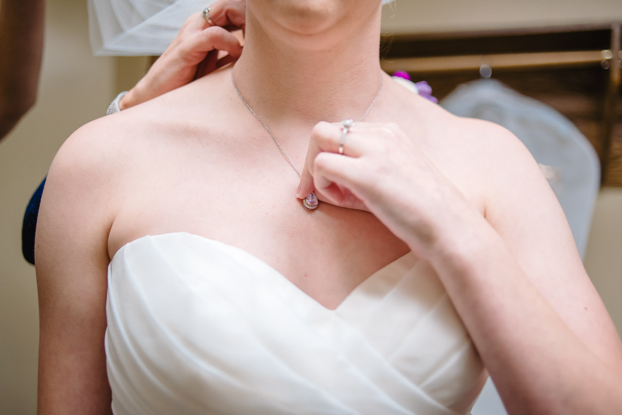 OMAHA-MARRIOTT-WEDDING-DOWNTOWN-MARRIOTT-OMAHA-WEDDING-PHOTOGRAPHER-JM-STUDIOS-009.jpg