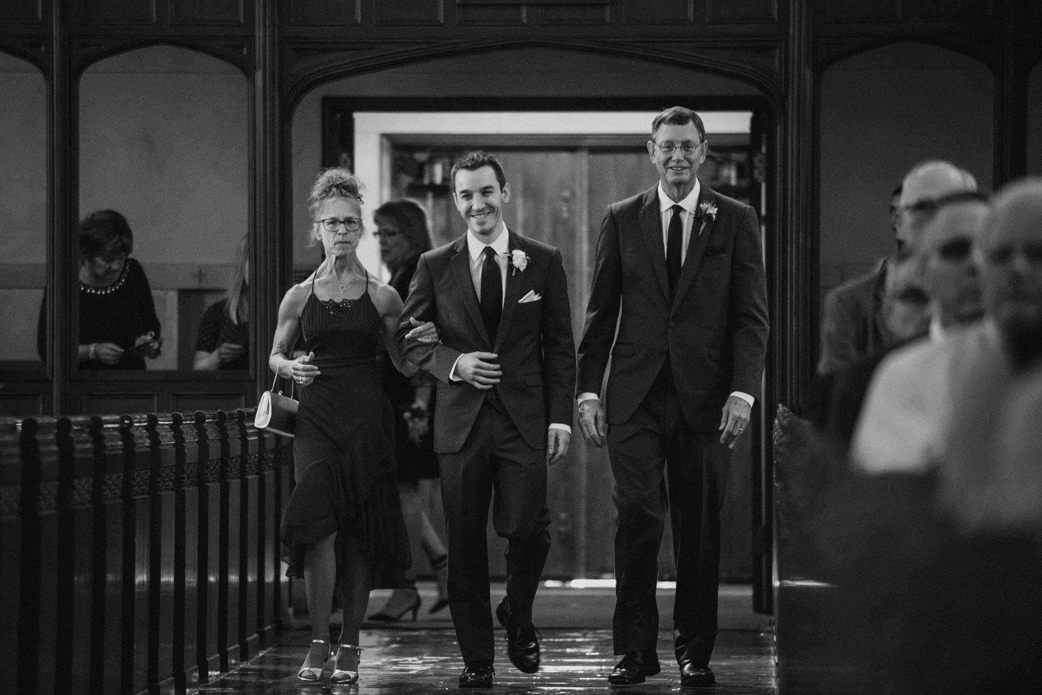 OMAHA-MARRIOTT-WEDDING-DOWNTOWN-MARRIOTT-OMAHA-WEDDING-PHOTOGRAPHER-JM-STUDIOS-012.jpg