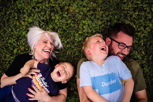 Nothing is worth more than laughter. . . . #familyphoto #realfamilies #letkidsbekids #omaha #omahane #omahanebraska #omahanebraskaphotographer #midwestfamily #momentsoverposes #omahafamilyphotographer #nebraskafamilyphotographer #iowafamilyphotographer #jmstudiosomaha