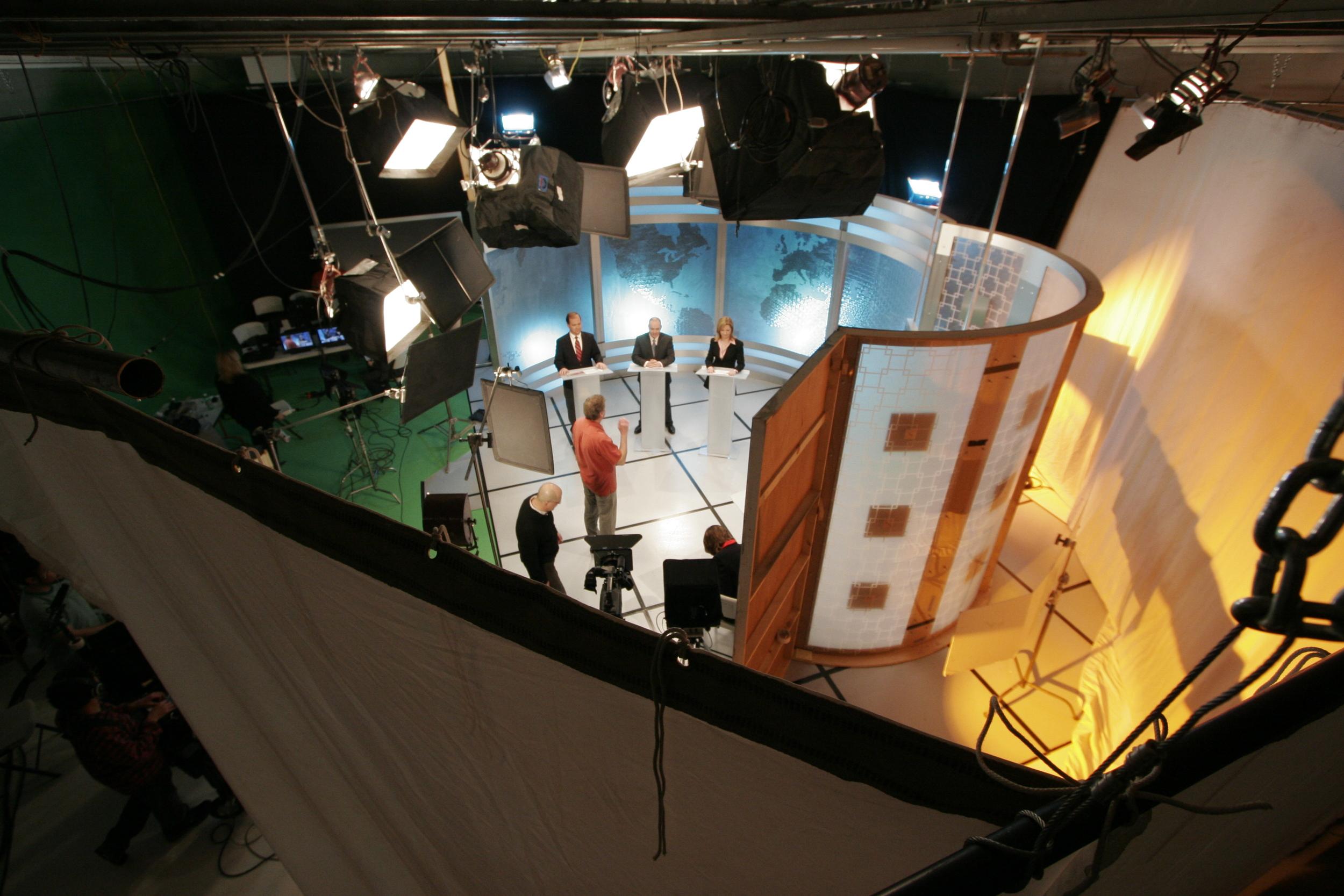 Theatre /Television /Film   SET DESIGN & CONSTRUCTION