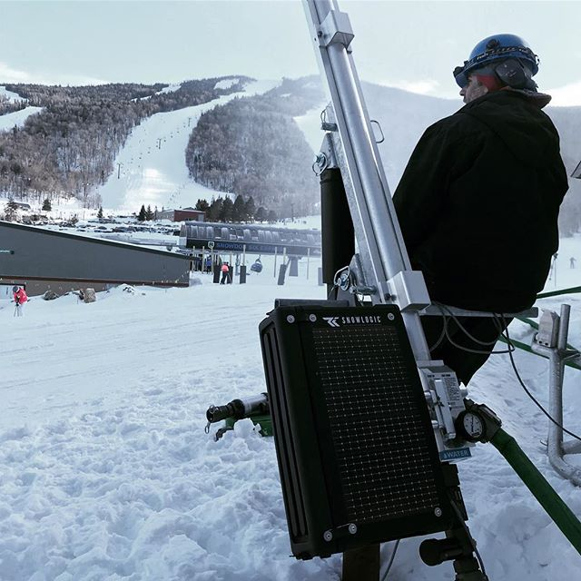 Sunday snowmaking sesh' with the latest Rapid Fire Automation hardware 🍻 . . . #simple #solarcharged #automation #snowmaking #technology #blackbox #fusehydrant #noboundaries #thelatestlogic #sustainableslopes