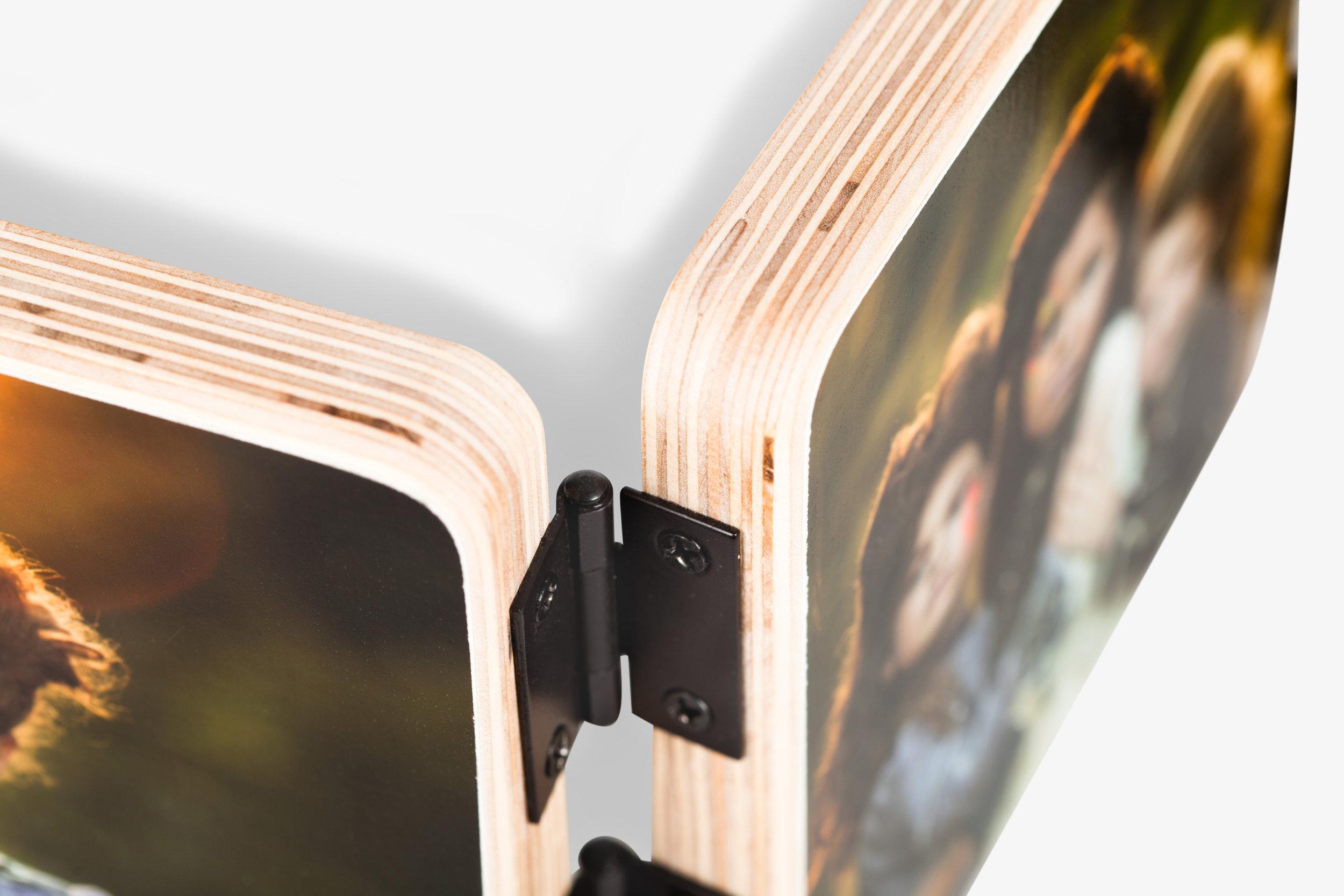 Mendoza Accordion Wood Print Hinge