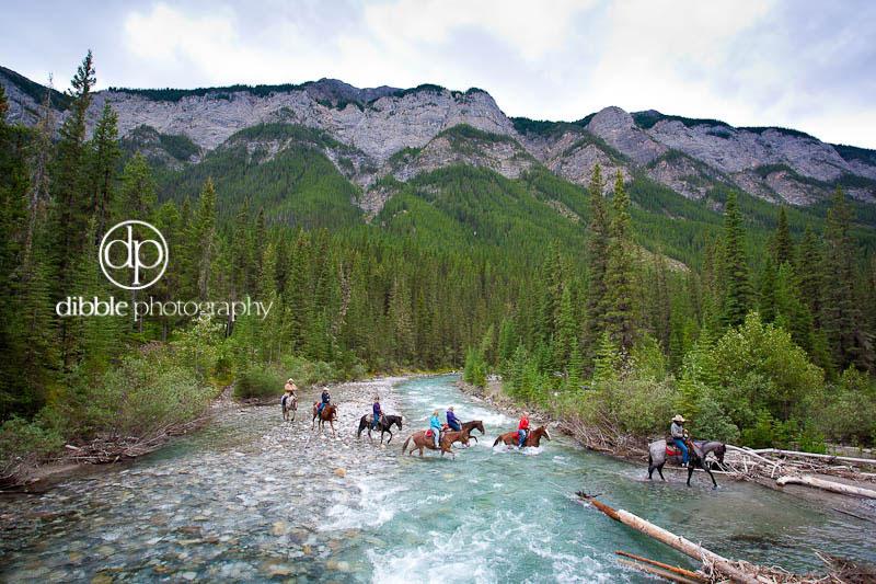10-horseback-banff-park1.jpg