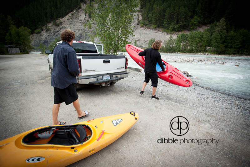 kayak-kicking-horse-river-03
