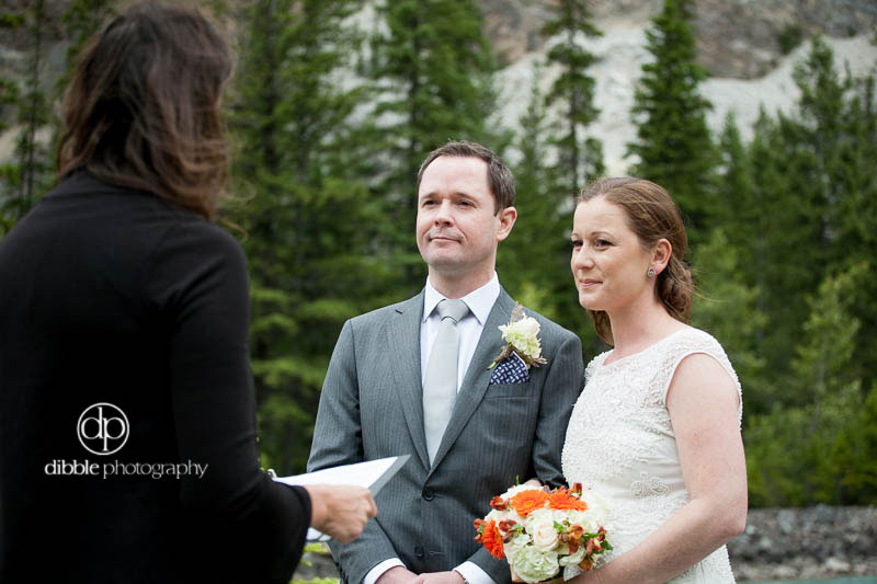 cathedral-mountain-lodge-elopement09.jpg
