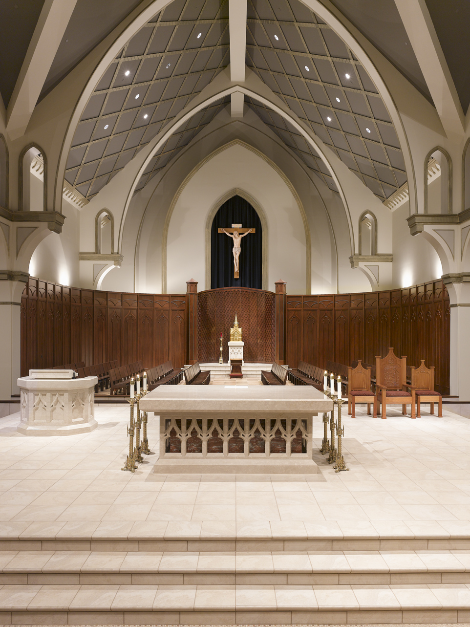 SJA PH Direct view of altar and knave.jpg