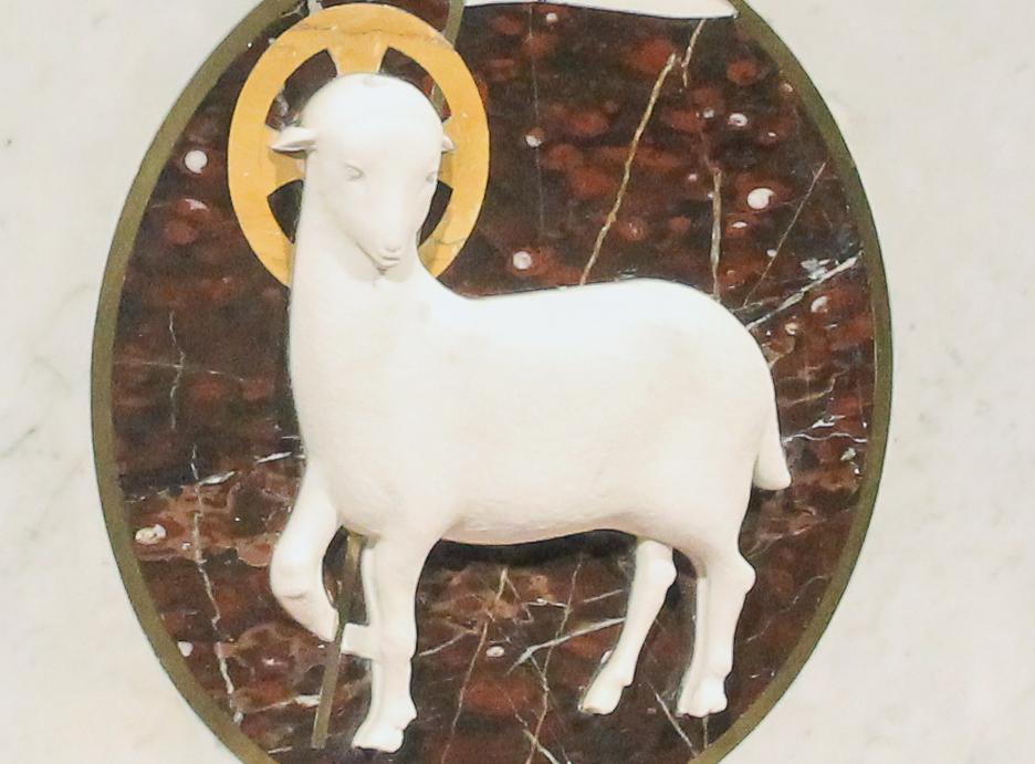 092217 Altar 2 B LG lamb.jpg