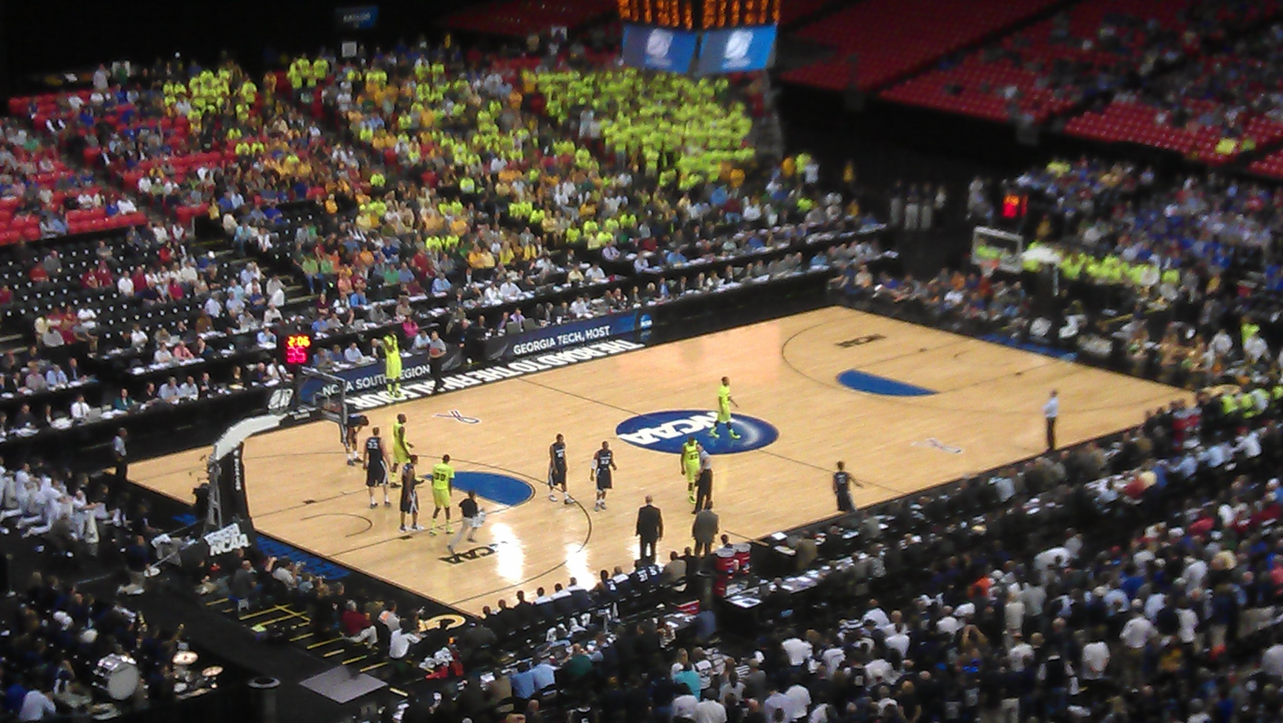 Neon-Clad Baylor Advances