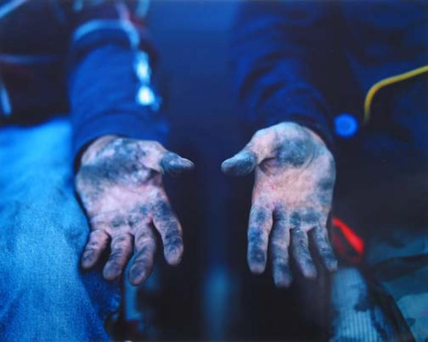Dirty Hands, 2003  © Richard Renaldi,