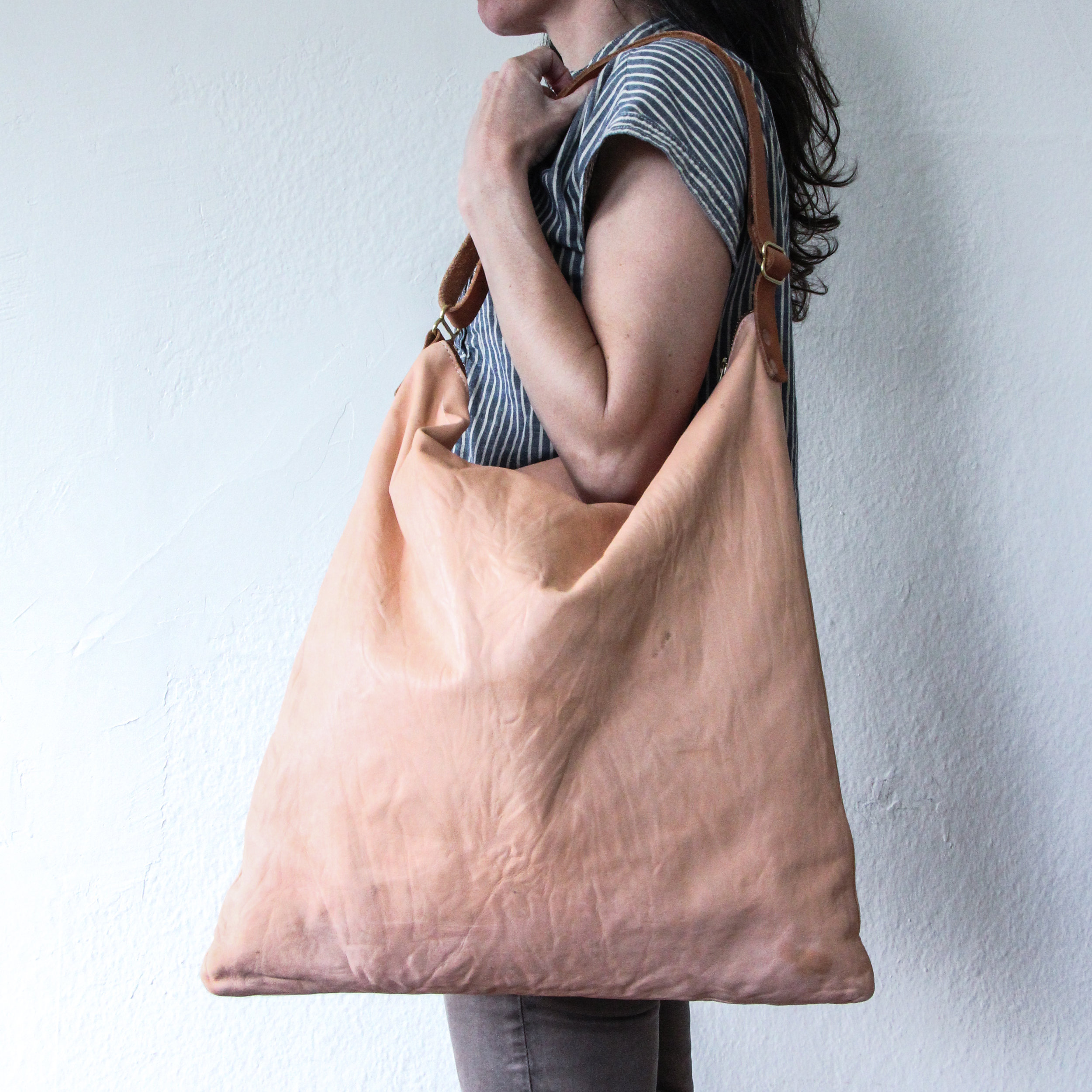 Goodwestco_L9_Sling_Bag_vegtan_5.jpg