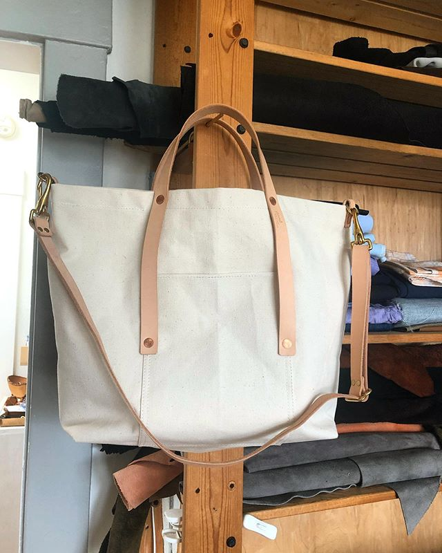 Done and wishing I could keep it. I really love me some natural cotton duck canvas. #handmadebag #customorder #soontobearegular #butmaybeinleather #goodwestco