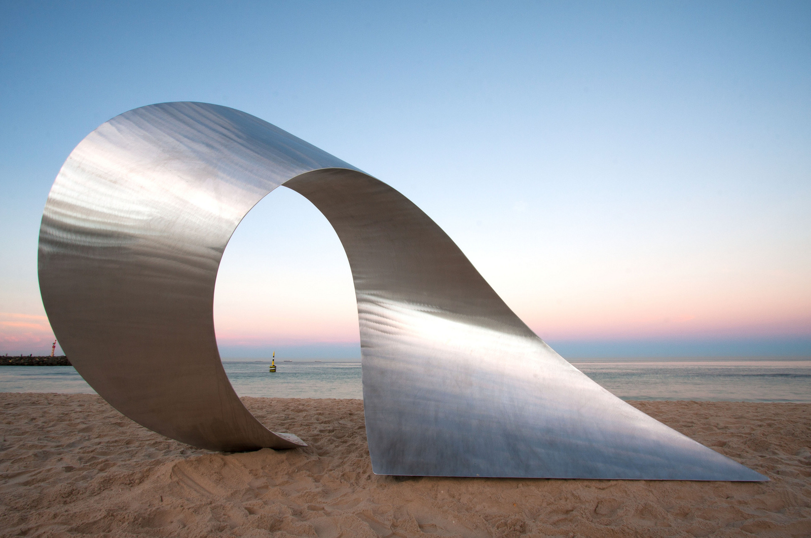 pannekoek_2012_convolution_sculpture_by_the_sea_04.jpg