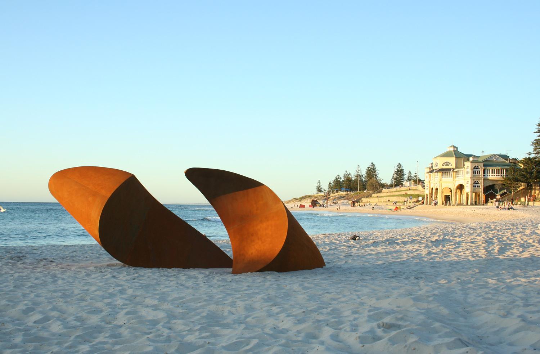 pannekoek_2009_surface_sculpture_by_the_sea_01.jpg