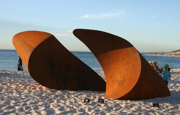 Johannes Pannekoek - Surface - 2009 - Cottesloe (2).JPG