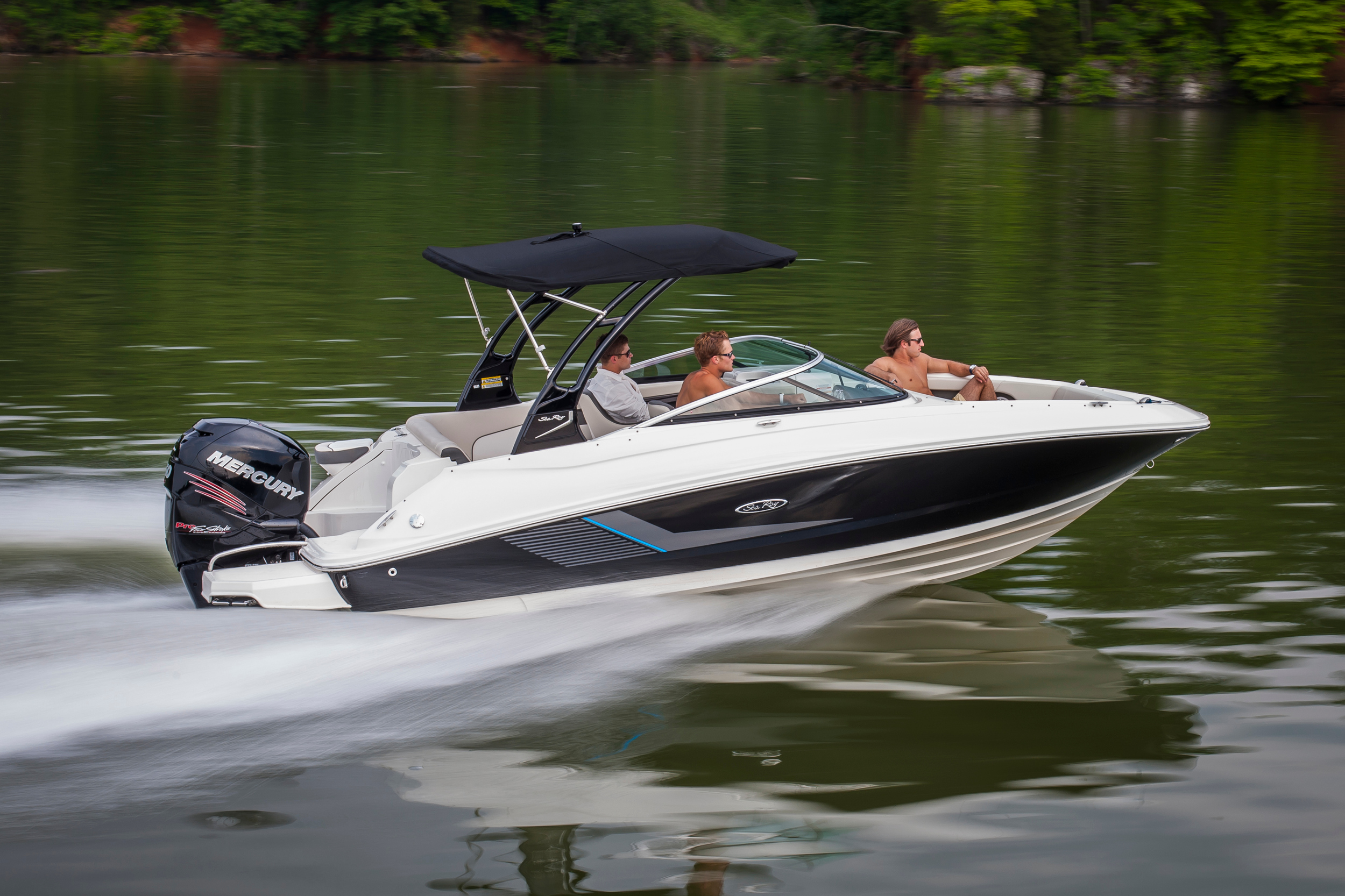 2014 Sea Ray 220 Sundeck OB