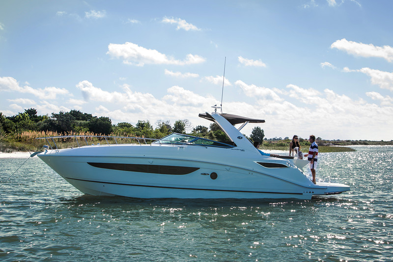SEA RAY SUNDANCER 350, 2015. 37 ft. Price $ 395.000.-
