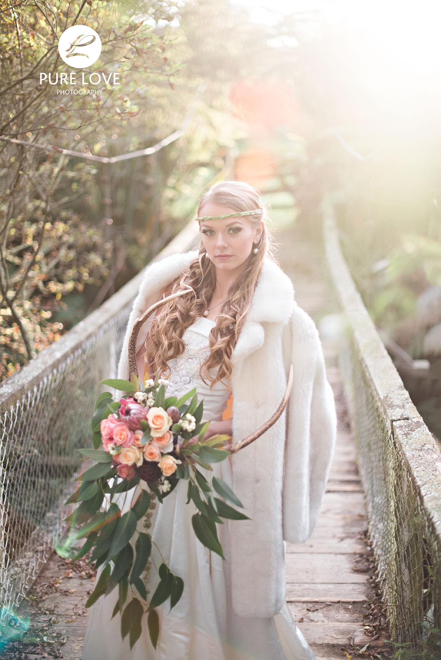 Wedding Photo on the bride with golden light
