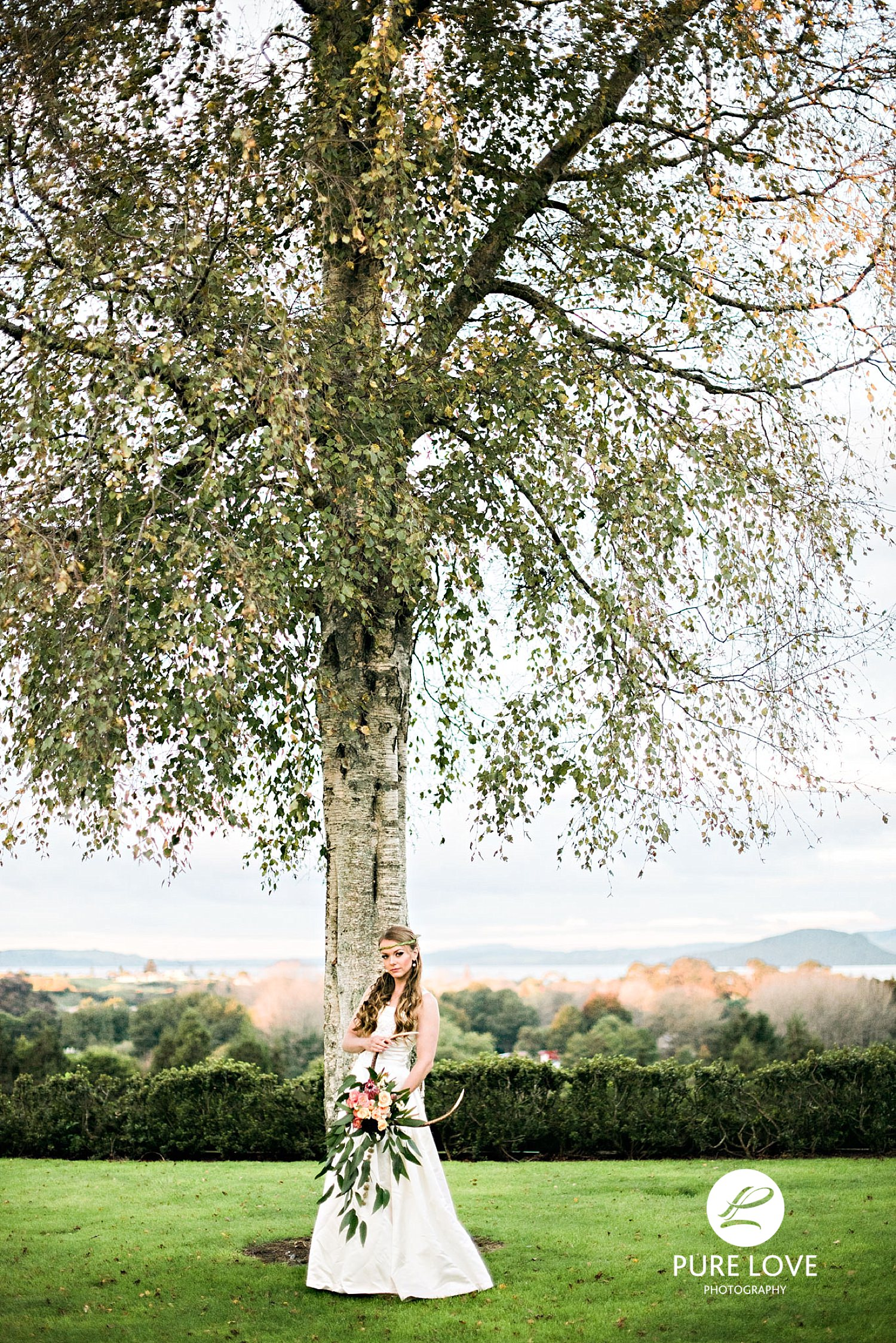 Ceremonies are held on top of the hill with a backdrop of trees and breathtaking views of the Agrodome land, the town and the Rotorua Lake. No doubt it is a great spot for romantic ceremony and location photos.