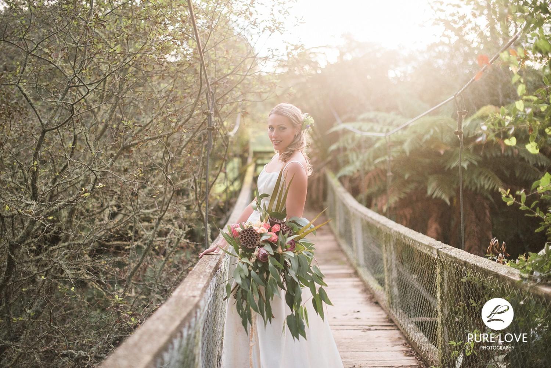 sunset wedding photo bridge