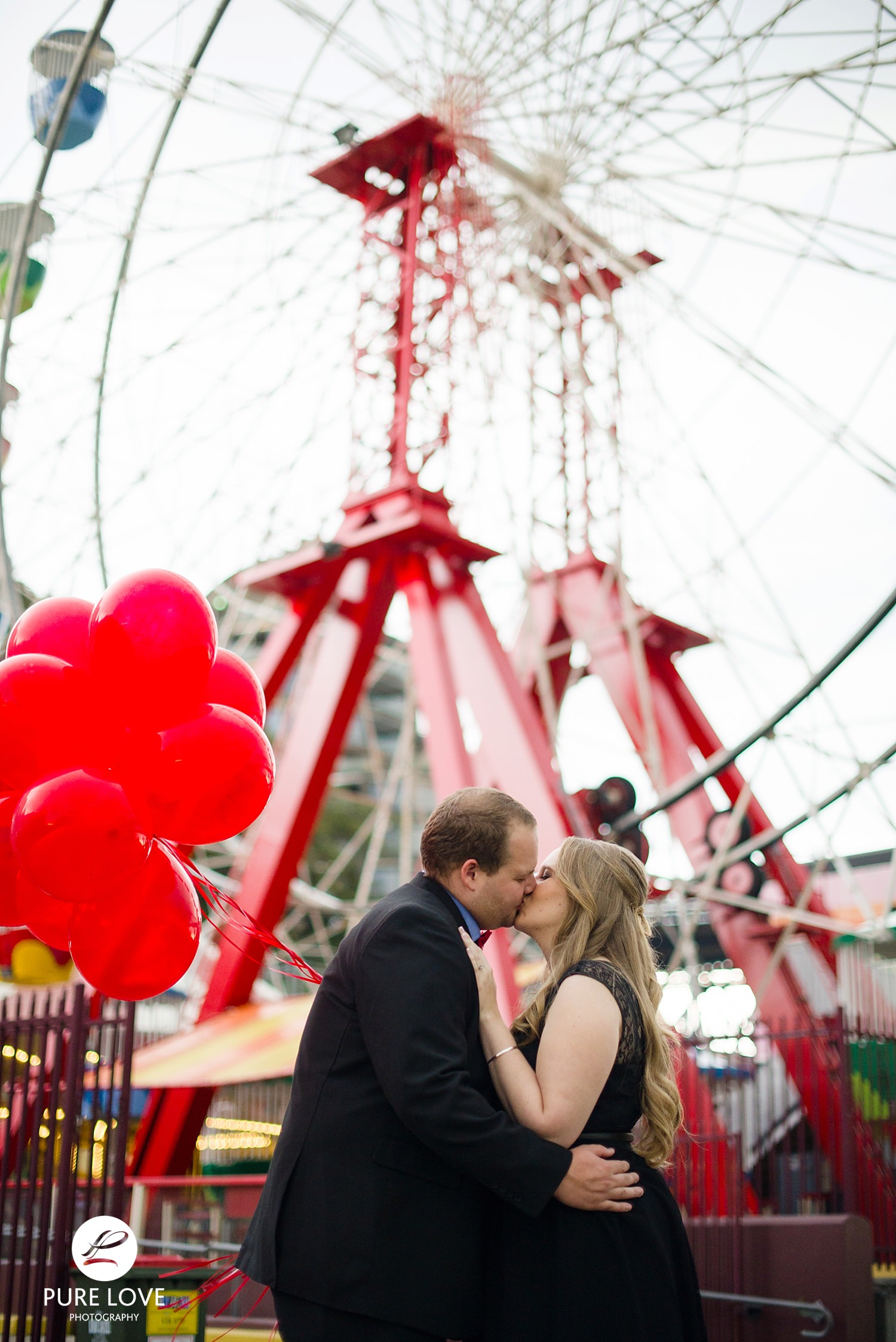Engagement Session at Ferris Wheel
