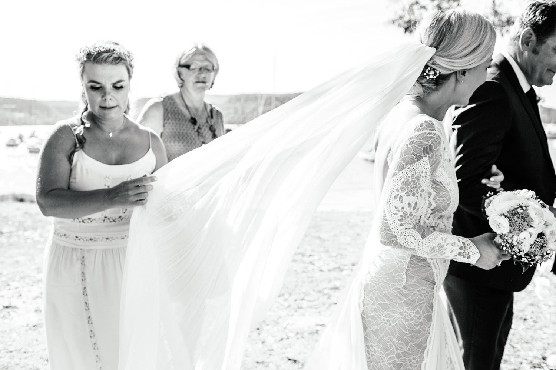 Caroline and Wayne wedding LR-225.jpg