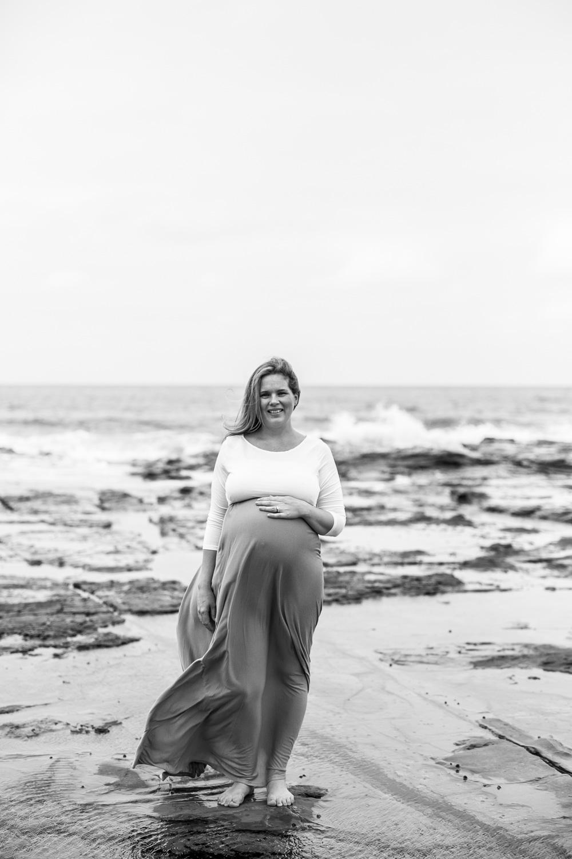 Ashley maternity shoot LR-250.jpg