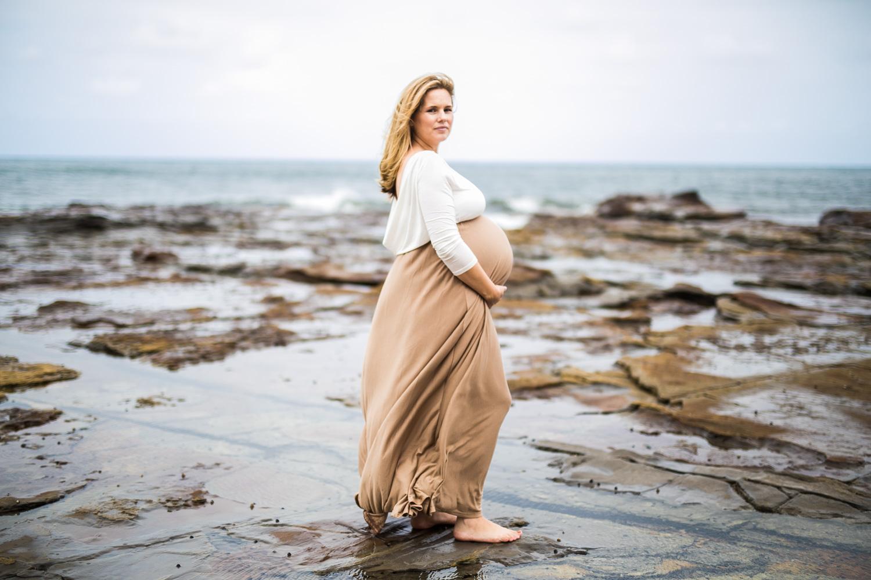 Ashley maternity shoot LR-293.jpg