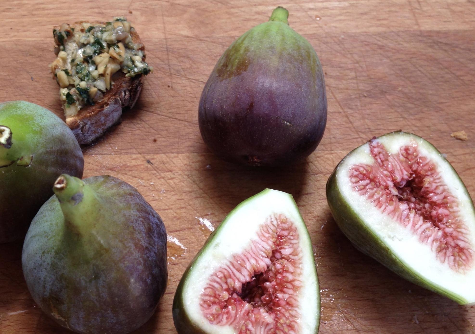 Stuffed, Roasted Figs
