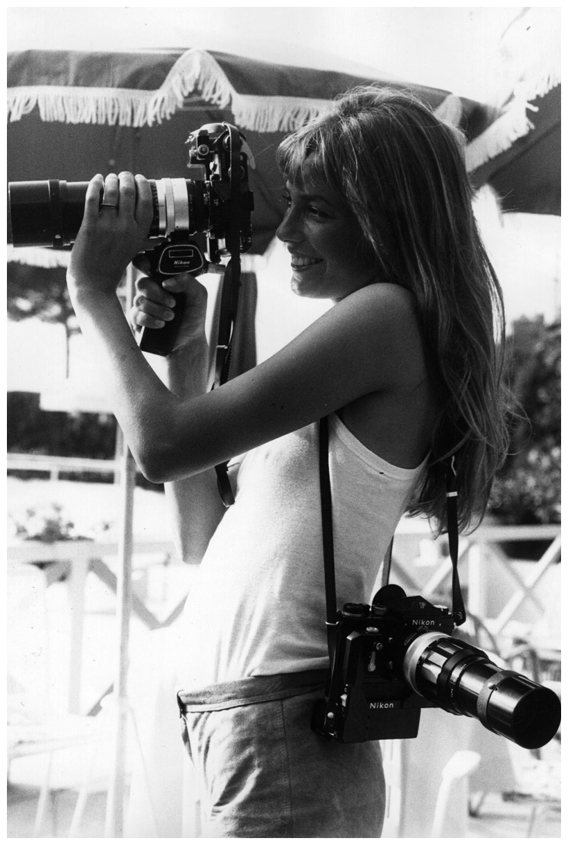 008-jane-birkin-theredlist.jpg