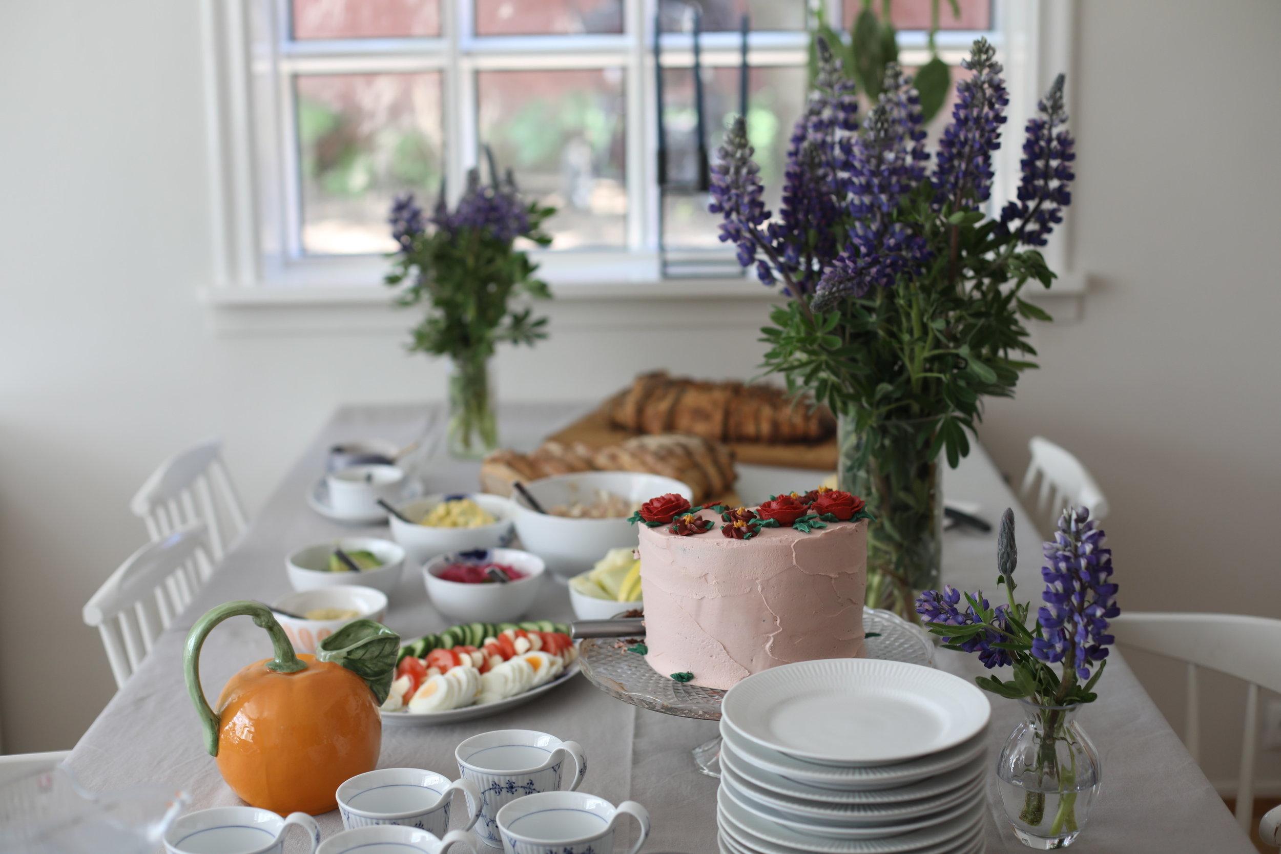 afmæli-birthday-brunch-cake-orange-dinner