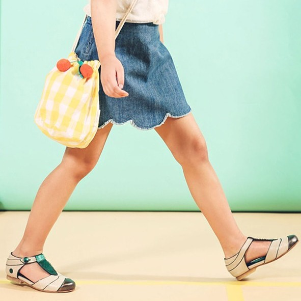 Free shipping ends this week!! . . . ・・・ Editorial work for @lunamagcom 〰 Spring Flow 〰Photo @kidsphy | Styling @paulpaula | HMU @ebru.visagie.makeup | Girl : Nova @djodi.sisters @kidz.management ☀️ Dress @tocotovintage | Shoes @yayalalakids 〰〰 . . . . . #yayalalakids #yayalala #kidsshoes #kidsstyle #freeshipping #buyonline #supportindependent #supportsmallbusiness