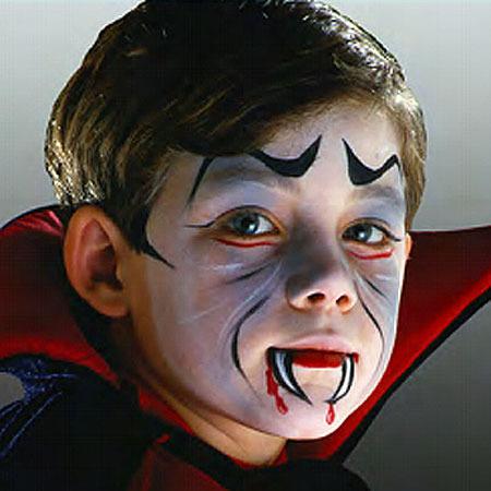maquillaje-halloween-para-ninos-vampiro-sangre.jpg
