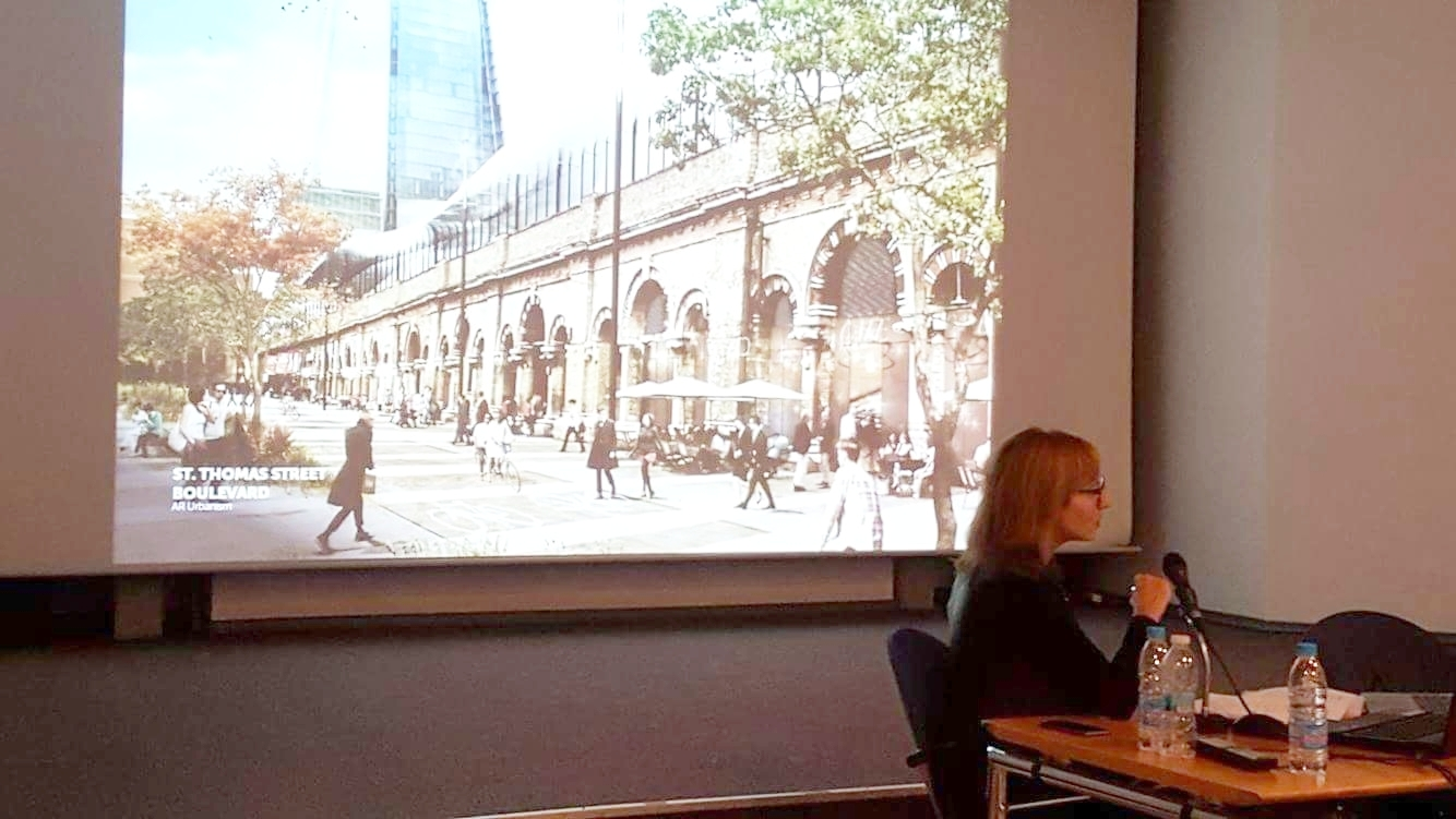 Lecture about London Bridge Arches