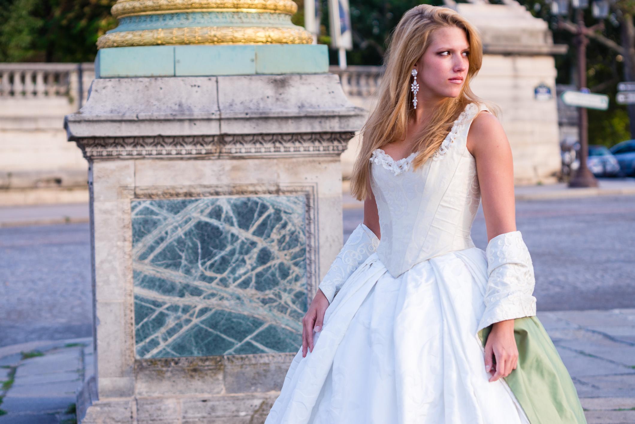 Robe de mariée à la XVIIIe? Crédit Photo : J&TPHOTO PARIS