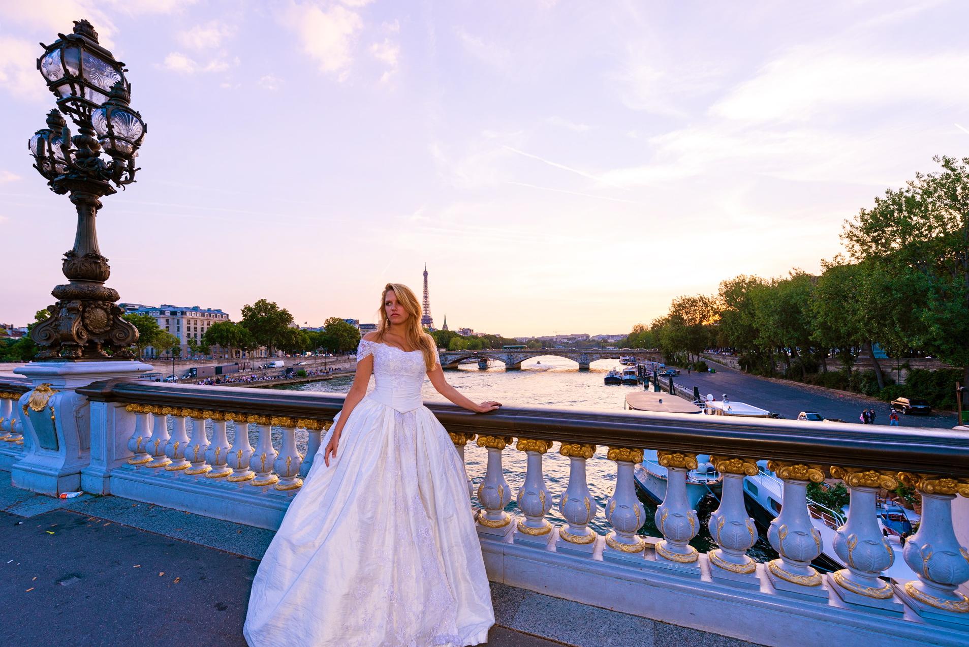 Robe de mariée Fantasja en soie et tulle brodé perlé. Crédit photo : J&T PHOTO PARIS