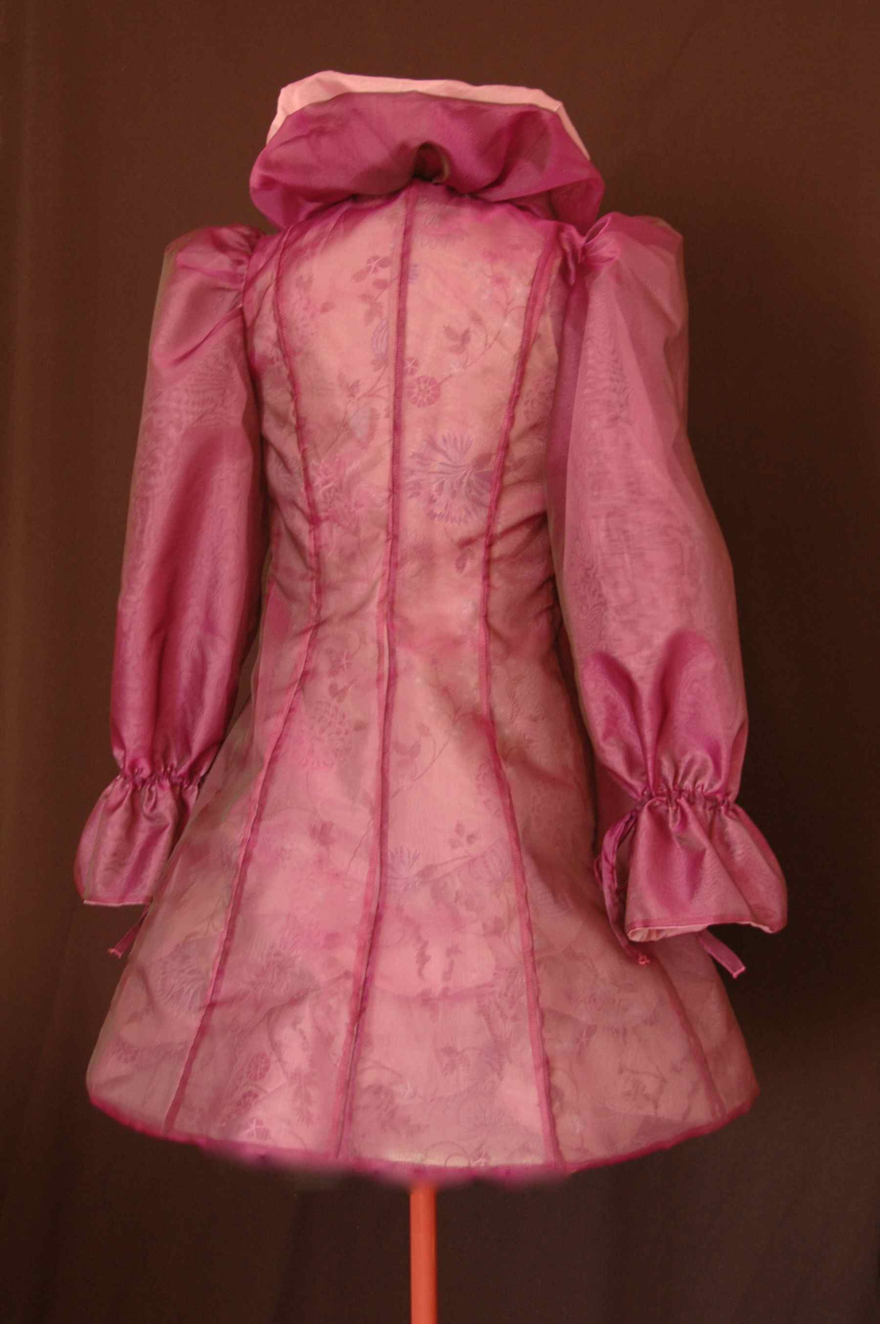 Manteau de cocktail en organza de soie réversible