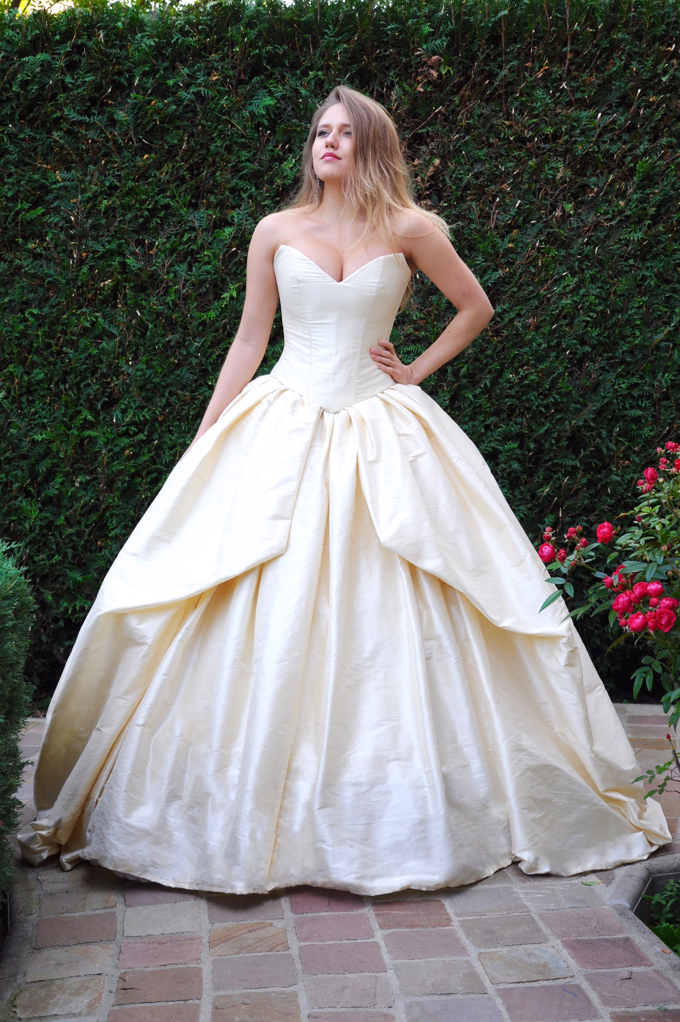 Robe de mariée Princesse Glamour Ivoire Agnes Szabelewski recadrée.jpg