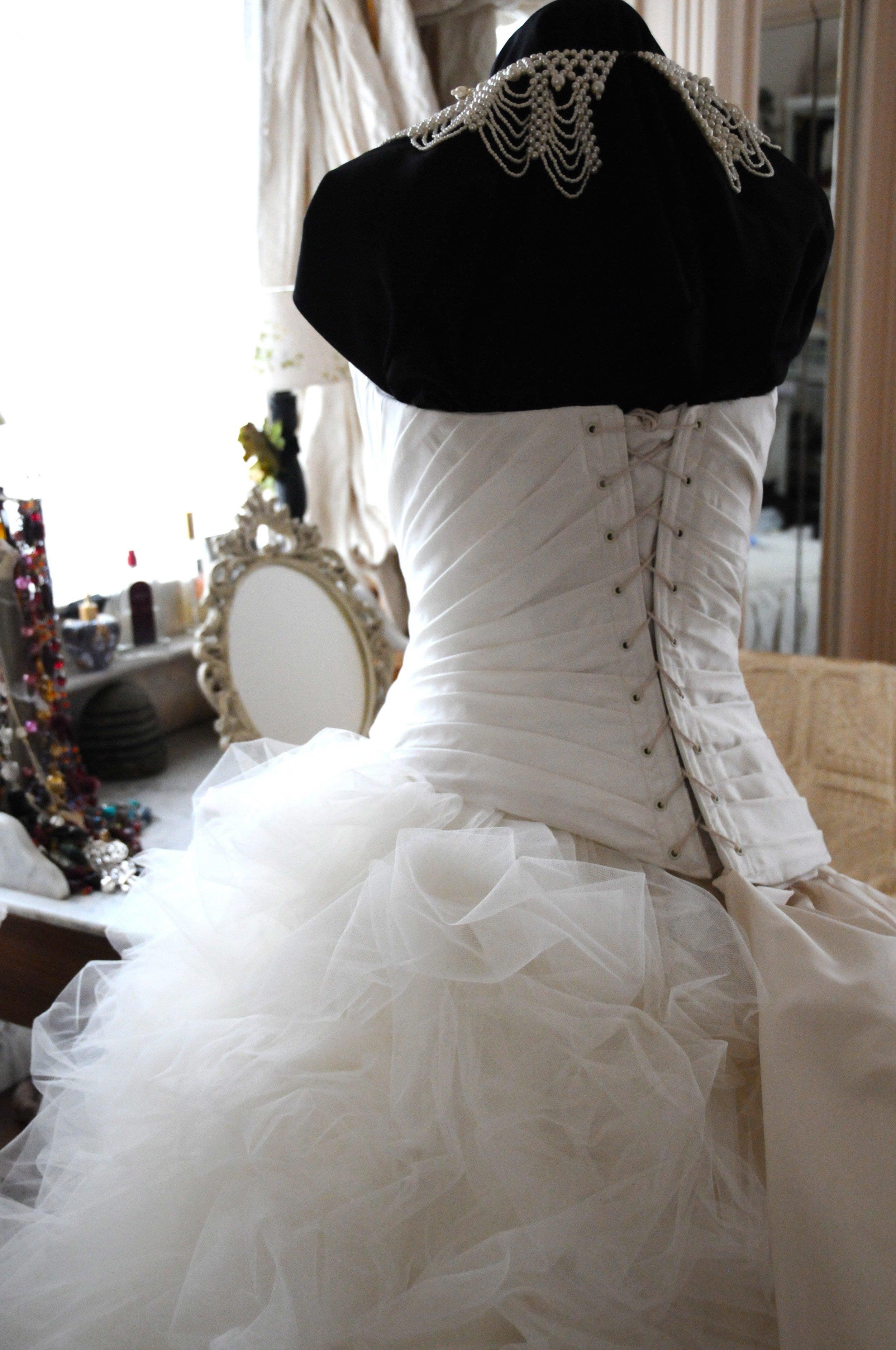Robe de mariée corset drapé Agnes Szabelewski.jpg