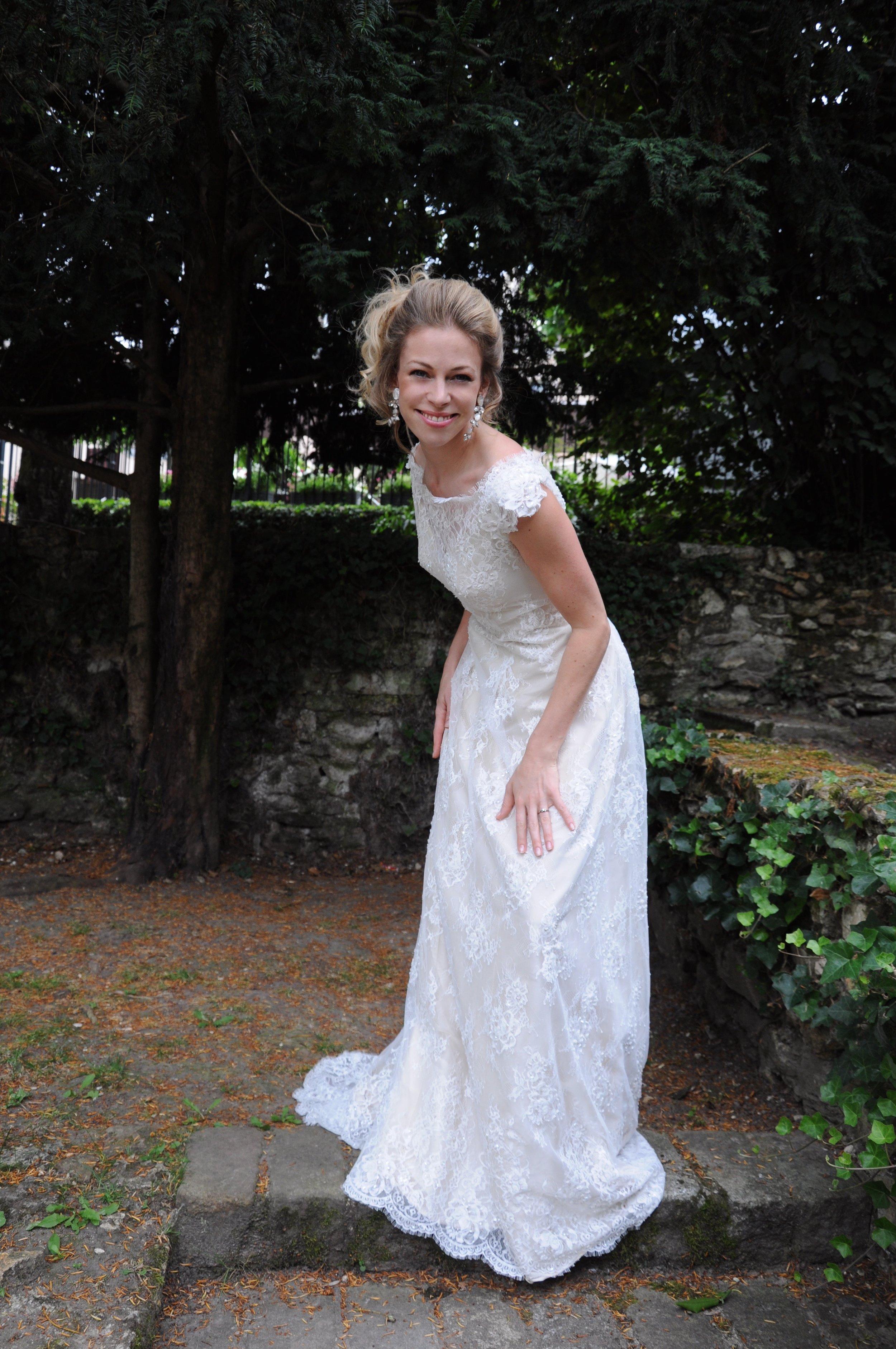 Robe de mariée tout dentelle Agnès Szabelewski.jpg