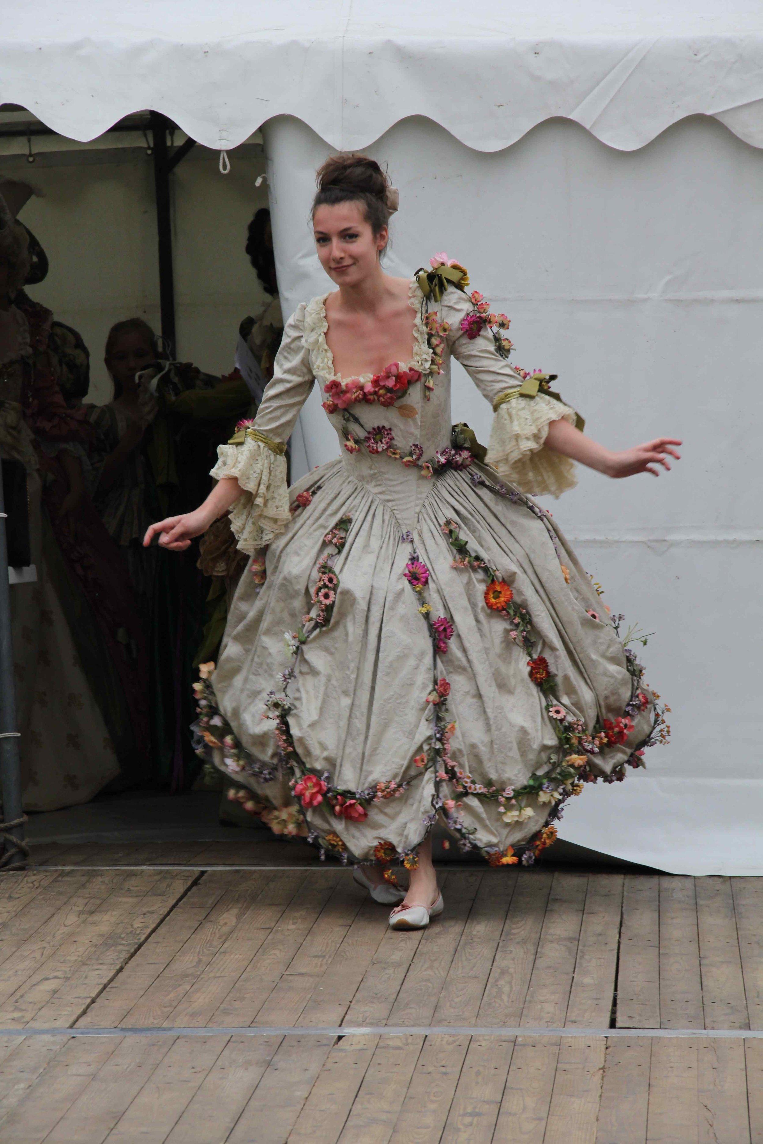 Costume de ballerine 18e siècle sur mesure Agnes Szabelewski.jpg