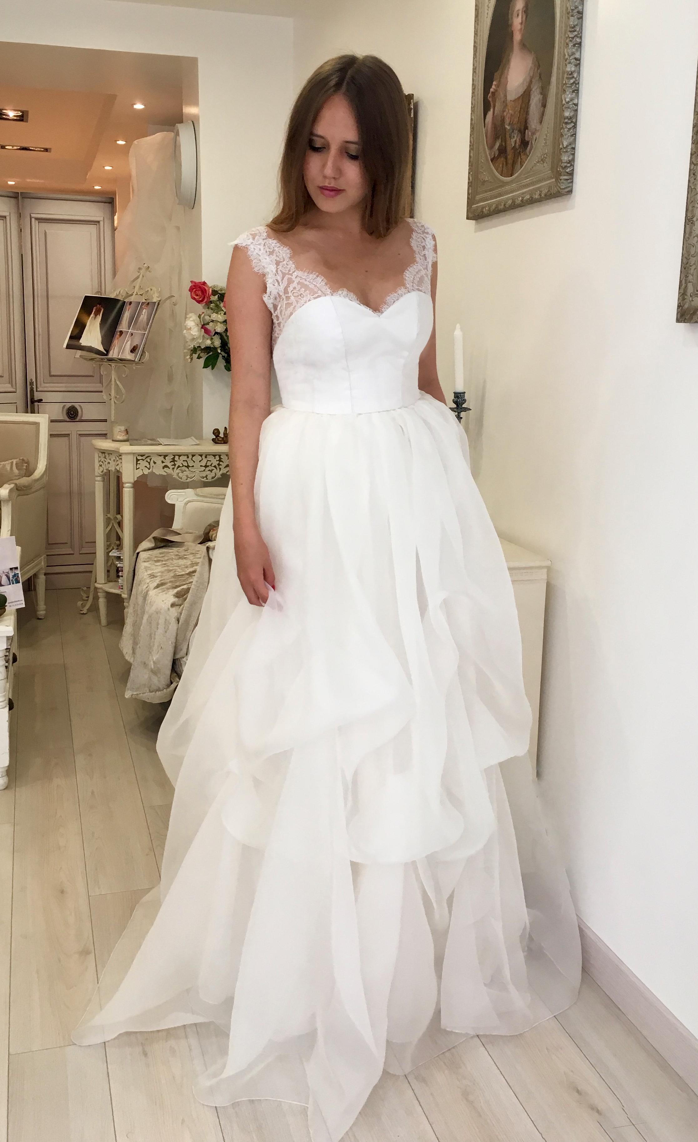 Robe de mariée Amanda en organza de soie et dentelle de Calais Agnès Szabelewski.jpg