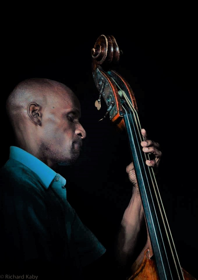 Larry Bartley1 Bass.jpg