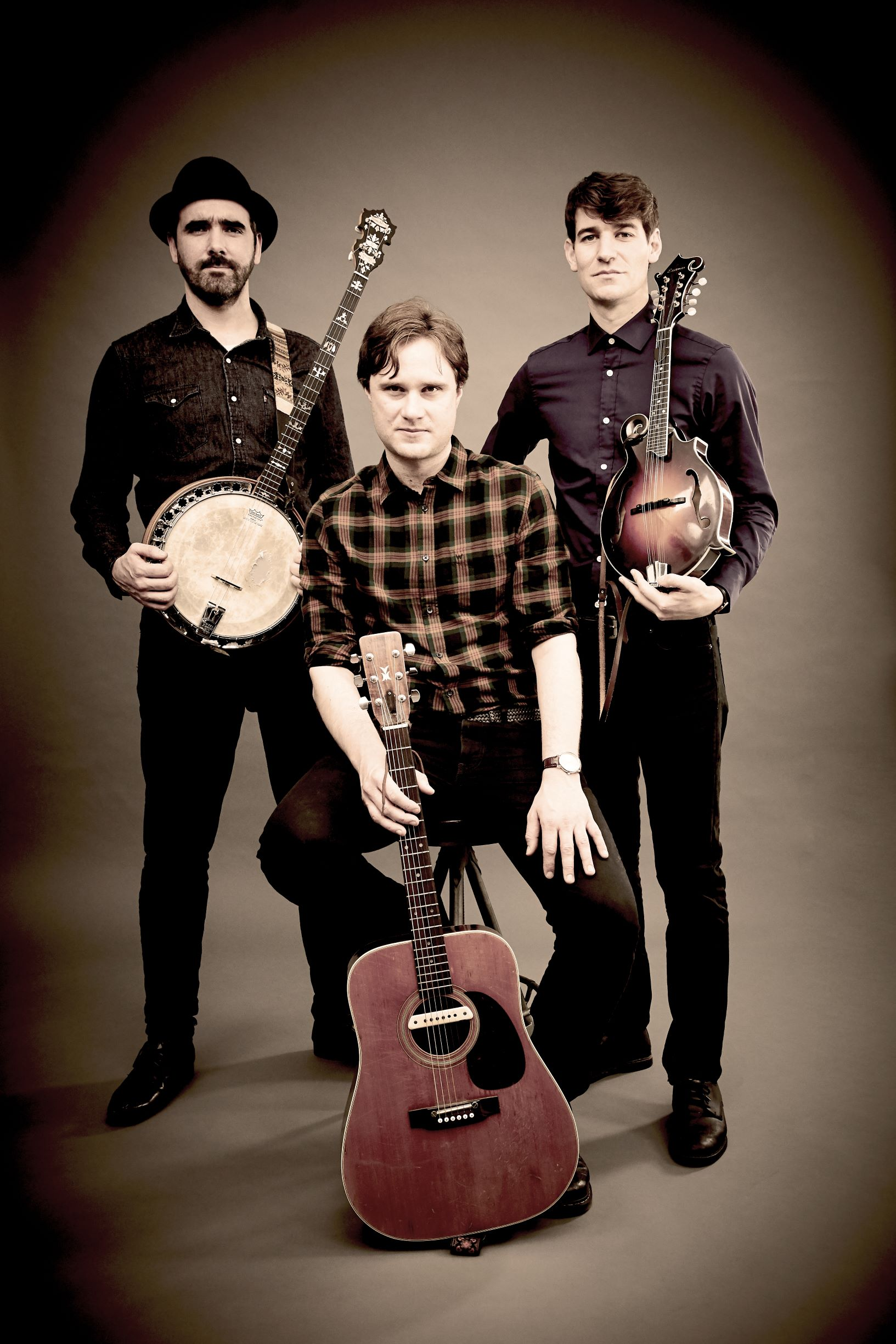 THE THUMPING TOMMYS - FOLK / BLUEGRASS / AMERICANADOOR 7PM / MUSIC 8.30PM£10 / £9 / £0 (BK)EMAIL TO RESERVE